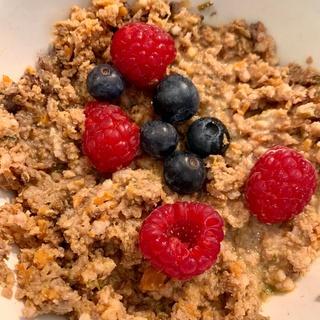 Let's get dinner 🐶🤤 - - - -  #gesundessen#lebensmittelqualität#hundefutter#bio#artgerechtesfutter#schweiz#eatclean#dog#cat#hund#katze#healthyfood#gesund#natürlich#handmade #foodlover #coop #amstaff #parsonrussell #terrier #dinner #swissdog
